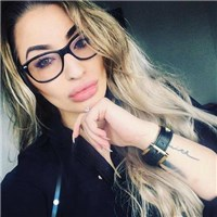 i am a good listener,  compassionate am looking for a long term relationship.. i am looking forward to meet to that right man...
