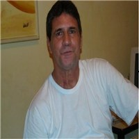 firstly, i am myself david single man of my world, never been married, i am 5'10, ,  average,  black hair,  hazel/brown eyes,...